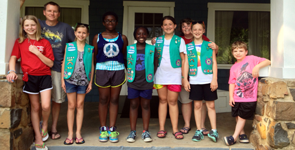 Buckland Mills Girl Scouts Support the Food Pantry